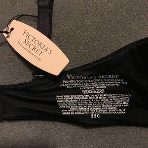 Victoria's Secret Intimates & Sleepwear - Victoria's Secret Plunge Bra 32C